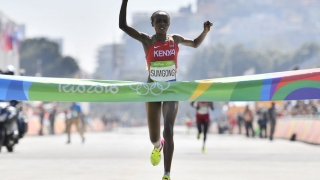 Jeminma Sumgong (Kenya) © Fabrice Coffrini / Agence France-Presse - Getty Images