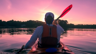 kayaking-1149886_1920