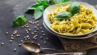 Fettuccine pasta with pesto sauce